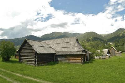 Дерев'яні фортеці у горах